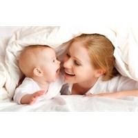 Bebek Evde Anne İşte