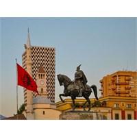 Arnavutluk'un Başkenti Tiran!