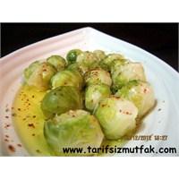 Vitaminli Brüksel Lahanası Salatası
