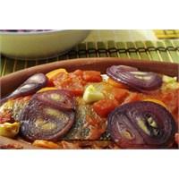 Güveçte Levrek Ve Balık Sofrası İçin Salatalar