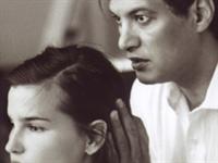Saç Ve Saçlı Deri Temizleme Masajı