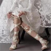 Gelinliğin Altına Nasıl Bir Ayakkabı Giymeli?