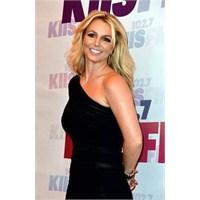 Britney Spears Yeni Albümle Dönüyor