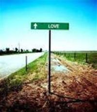 Tüm  aşk   Şiir Ve Güftelerini Yaşayabilen Şanslı
