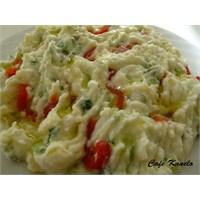 Yoğurtlu Patates- Salatalık Salatası