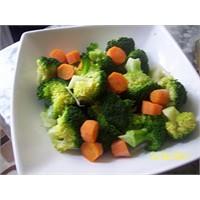 Brokoli Salatası Ahterce