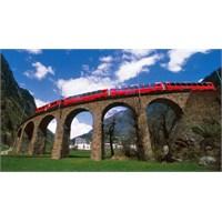 Bernina Rotası: Alpler'i Trenle Geçmek