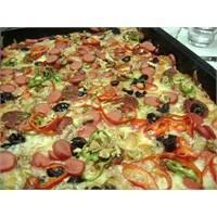 Ev Yapımı Nefis Pizza Tarifi