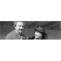 Çağını Aşan Bir Bilim Adamı: Albert Einstein