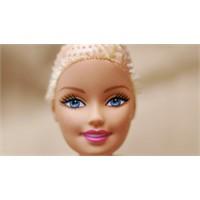 Barbie Kansere Karşı Moral Veriyor