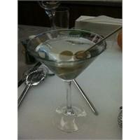 Lucca'nın Bar Şefi'nden Tüyoları: Dirty Martini