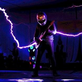 Amerika'da Yarışmada Tesla Bobini İle Yıldırım Şov
