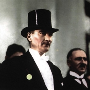 Atatürk Dediğini Yapardı