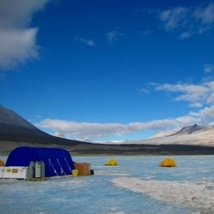 Buzun derinliklerinde yaşama tutunanlar
