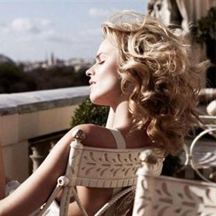 Eva Herzigova'nın Saçlarının Sırrı!