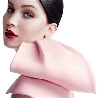 Jennifer Lawrence 3 Yıl Daha Miss Dior Olacak
