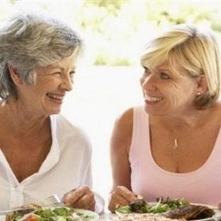 Menopoz Döneminde Hangi Yiyecekler Tüketilmeli?