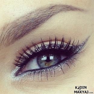 Mükemmel Bir Makyaj İçin Eyeliner İpuçları