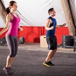 10 Dakikada En 100 Kalori Yaktıran Egzersizler