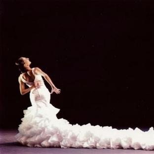 Ateşin Dansı;Ursula Lopez