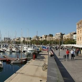 Barcelona'da gezilecek yerler - Port Vel limanı
