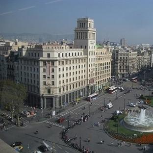 Barcelona Plaçe de Catalunya Meydanı
