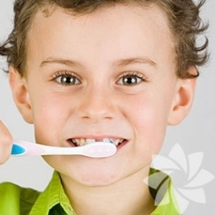 Çocukların süt dişlerini ihmal etmeyin!