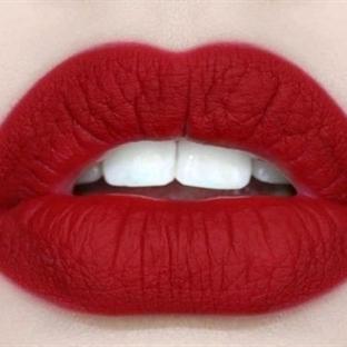 Dişleri Beyaz Gösteren Ruj Renkleri