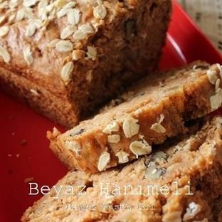 Elma püreli kek (applesauce bread)