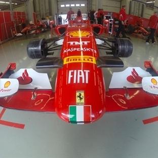 Ferrari'ler İstanbul Park'ta Kükredi!