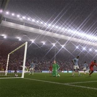 FIFA 15 En Çok Satan Olmaktan Vazgeçmiyor
