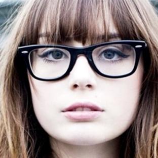 Gözlük Kullananlar İçin Makyaj Taktikleri