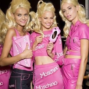 Moschino'nun dünyasındaki Barbie bebekler!
