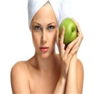 Sağlıklı bir cilt için elma maskesi