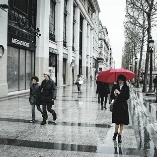 Şanzelize... Yağmur... Aşk...