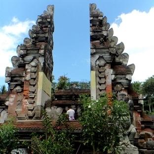 Situs Pura Tirta Empul Tapınağı ve Pirinç Tarlalar