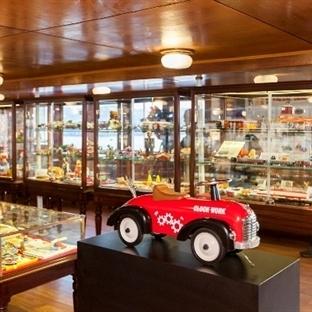 Teneke Oyuncaklar Sergisi Rahmi M. Koç Müzesi'nde