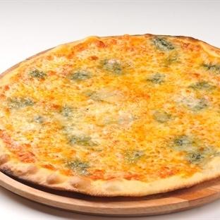 Üç Peynirli Pizza Tarifi
