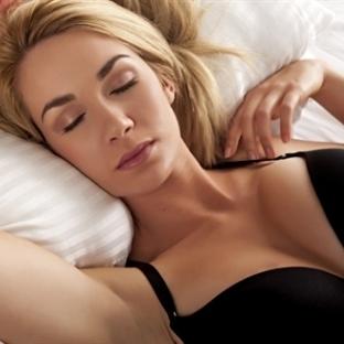 Uyurken Sütyen Giymek Zararlı mı?