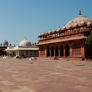 16. yy'dan Kırmızı Hayalet Şehir: Fatehpur Sikri