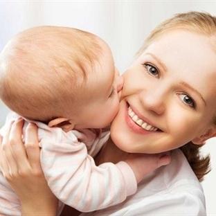 Bebeği kucağa almak beyin gelişimini destekliyor