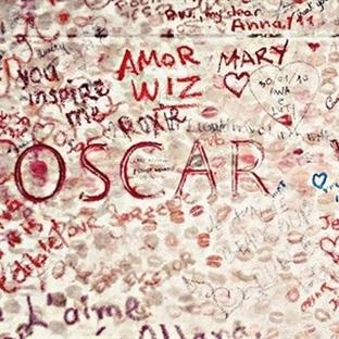 Bir Küçük Öpücük Oscar Wilde İçin
