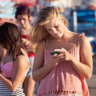 Cep Telefonları Kamburlaştırıyor mu?