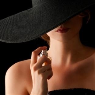 Çirkin Kadın Yoktur, Mutsuz Kadın Vardır