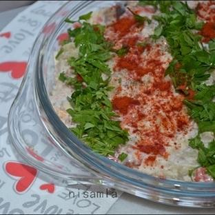 Etimekli Közlenmiş Patlıcan Salatası