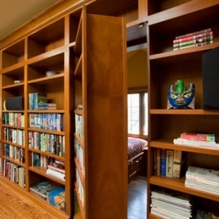 Gizli Mekanlara Açılan Kitaplık Kapıları