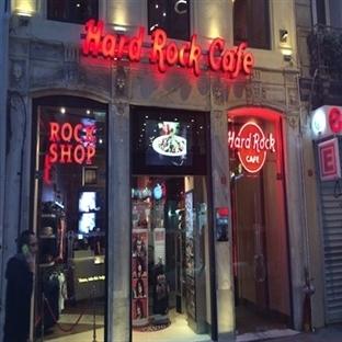 Hard Rock Cafe İstanbul ve Grup Absence