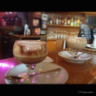 Kahvenizi Nasıl Alırsınız? Masada Mı Ayakta Mı?