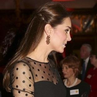 Kate Middleton: Hobbs Bluz Jenny Packham Etek