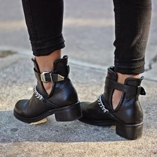 Kombin Önerileri 186 : Cut Out Ankle Boots